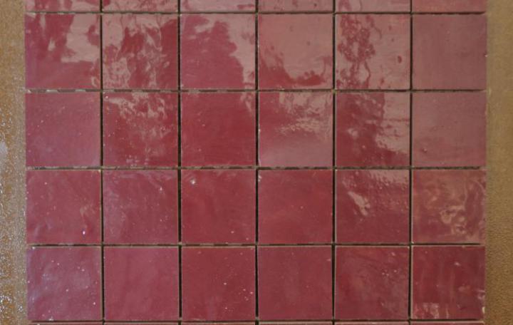 Collection Intérieur > Décoration et Mosaïques > Terre Cuite émaillée  >Rouge